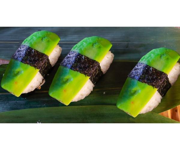 Суши с авокадо 3шт.