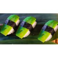 Суши с авокадо